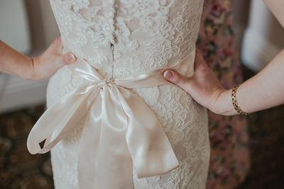 vestido de novia es demasiado pequeño